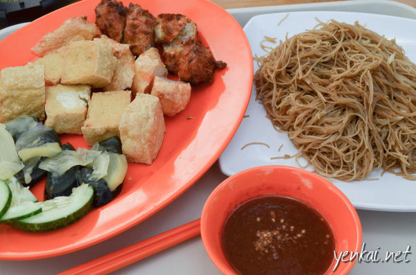 Ngoh Hiang (meat roll and fritters) with Fried Bee Hoon. Best.