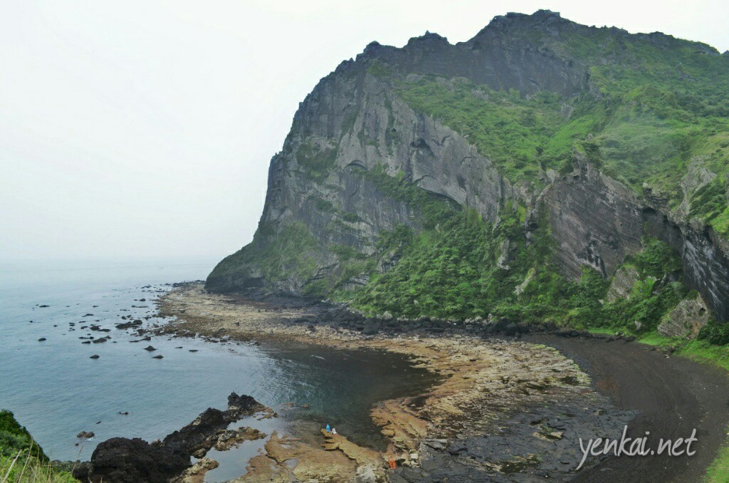 Coast at the foot of Seongsan Ilchulbong