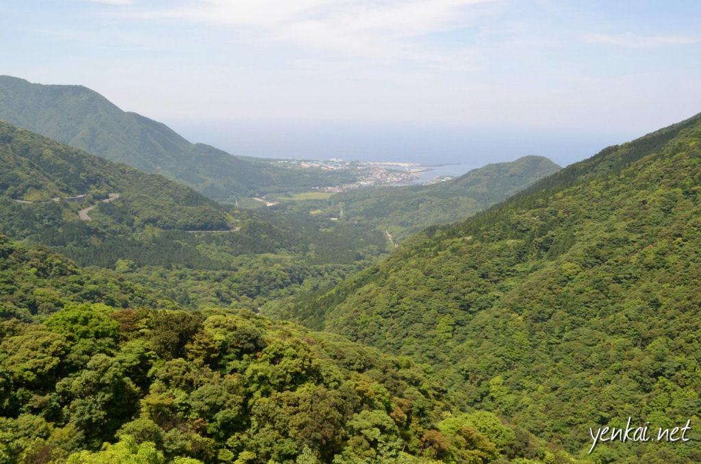The view towards Miyanoura on the way up to Shiratani Unsuikyo