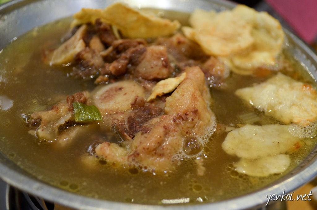 Sop Buntut (oxtail soup)