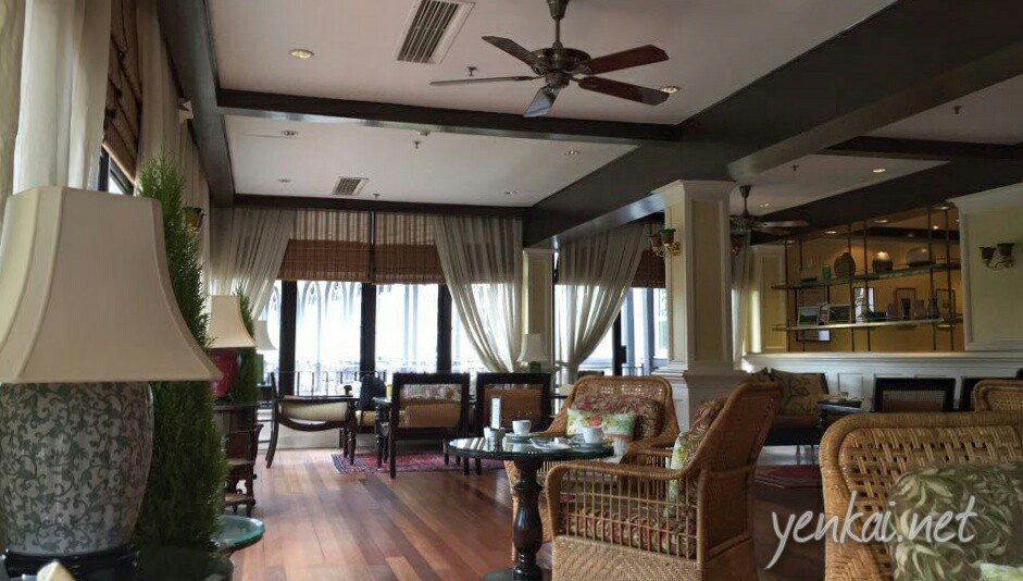 The cool weather certainly makes adds to the coziness at Jim Thompson Tea Lounge