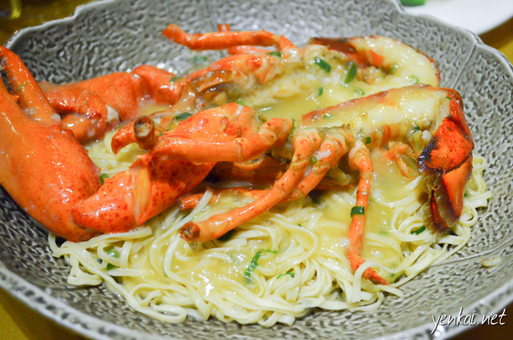 Lobster with cheesy Ee Meen, a must-try Hong Kong signature dish